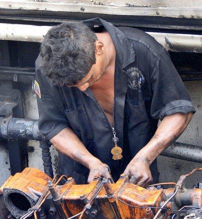 diesel-mechanic-1238784